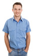 Junger Mann in blauem Hemd mit Jeans isoliert