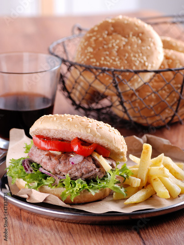 panino con hamburger - cheeseburger