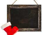 leere Kreidetafel, Rahmen mit Weihnachtsmannstiefel