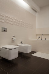 Travertine house - bathroom