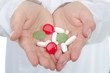 medikamente in handfläche