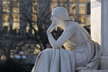 Denkmal Denkende Frau