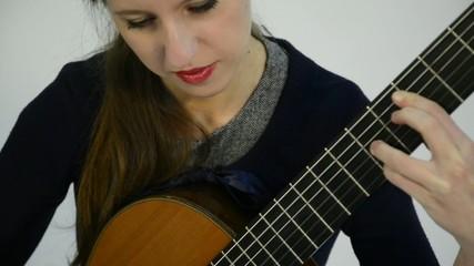 guitarr tocando instrumento