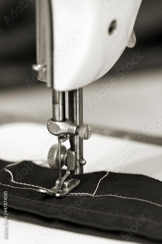 Sewing cloth with sewing machine