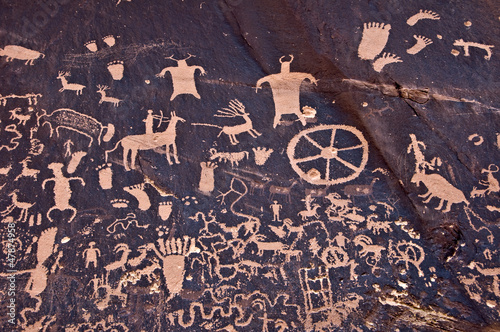 Newspaper Rock, pétroglyphes à Canyonlands - Moab, Utah USA
