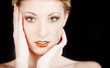 Ragazza bionda makeup sguardo glitter
