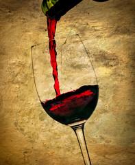 Rotweinverkostung im Weinkeller