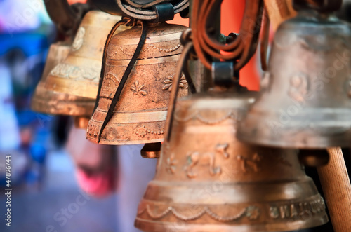cloches de vaches,alpes,suisse,savoie,carillons - 47896744