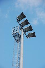 struttura per illuminazione grandi aree 3