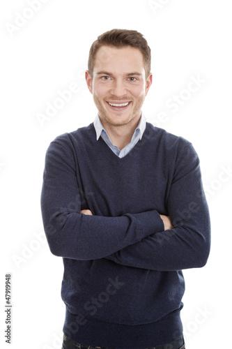 Hellhäutiger Mann mit Wollpulli in Blau isoliert