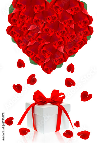 beautiful red roses bouquet in hearth shape