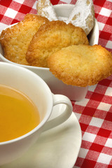 Teatime With Cocos Cookies und Kipferl