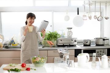 キッチンの主婦
