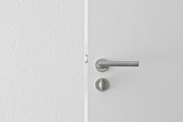 offene Tür Türgriff © Matthias Buehner