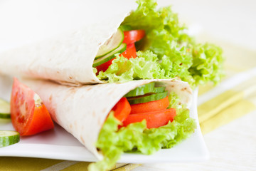 vegetable salad in a thin pita