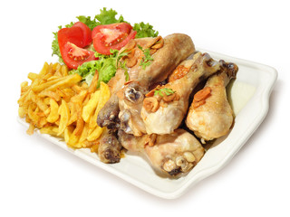 Menú de pollo sobre fondo blanco.