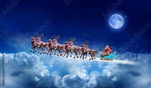 Père Noël dans le ciel