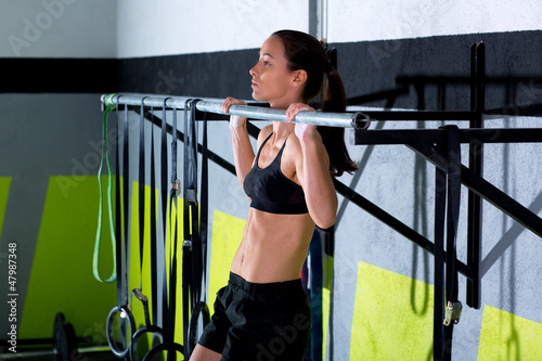 Crossfit toes to bar woman pull-ups 2 bars workout