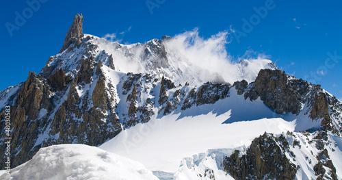 Dente del Gigante tra le nuvole © defender06