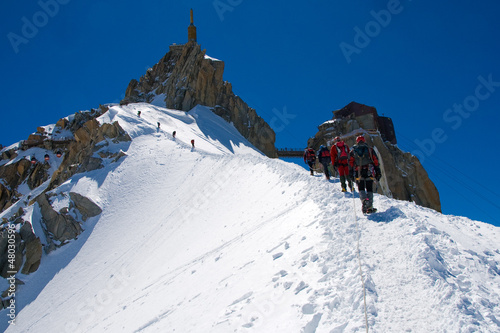 Alpinisti sulla Aiguille du midì