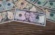 Dollar Noten auf Holz I