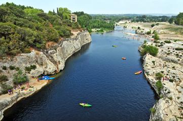 Il fiume Gardon dal Pont du Gard, Linguadoca Roussillon, Francia