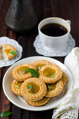 Shortbread cookies with lemon jam