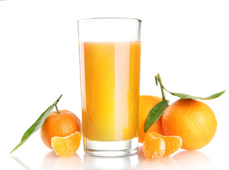 glass of juise and ripe sweet tangerine with leaf, isolated
