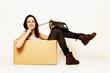 Mädchen in der Box mit Telefon
