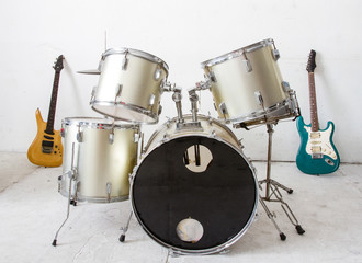 Guitar  and drum kit