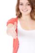 Attraktives Mädchen reciht freundlich die Hand