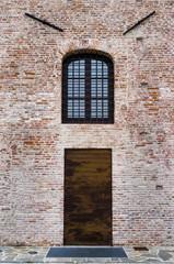 Porta,Finestra e sopracciglia