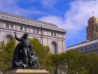City Hall and the monuments to the 49ers in San Francisco USA