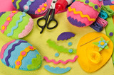 Fototapety Do it yourself Easter felt decorations