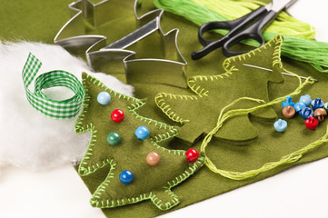 Do it yourself felt Christmas tree