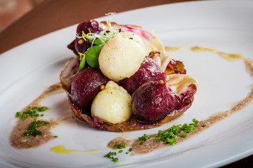 warm salad of celery and beetroot, baked with nuts vinaigreta