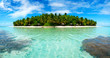 Leinwanddruck Bild - Island in the Maldives