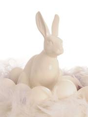 weißer Porzellan Hase