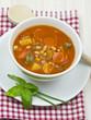Tomatensuppe mit weissen Bohnen und Paprika
