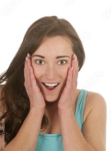 junge Frau ist überrascht