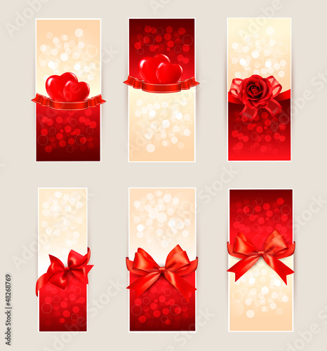 Set of beautiful gift cards with red gift bows and hearts. Valen