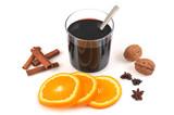 Vin chaud cannelle, badiane, orange et noix