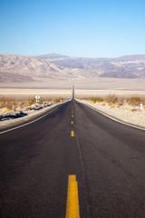 Strada nella Death Valley