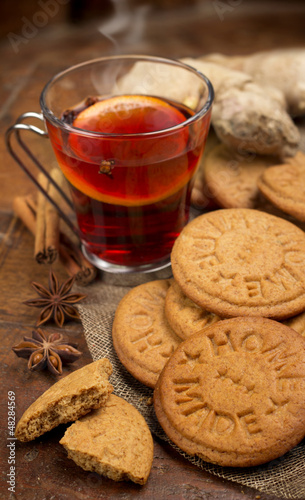 ginger cookies with mulled wine and spices