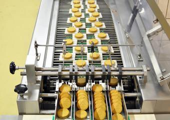 Lebensmittelindustrie Keksherstellung / food production