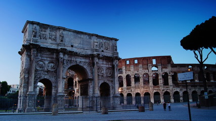 Dusk near the Colosseum and the Arch of Constantine,time-lapse