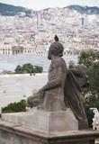 Statue auf dem Montjuic, Blick auf die Stadt Barcelona, Spanien poster