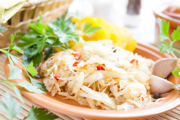 Braised cabbage with slices of red pepper
