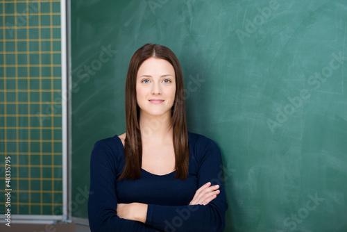 studentin mit verschränkten armen