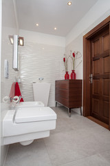 Cloudy home - small bathroom